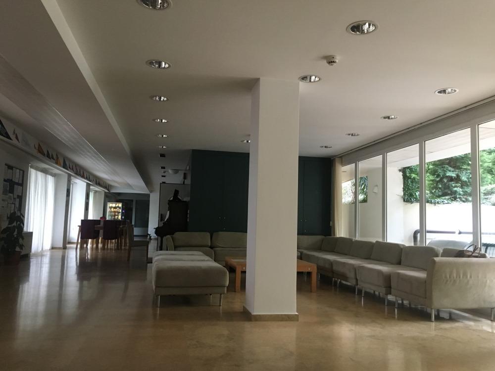 lobby.jpeg